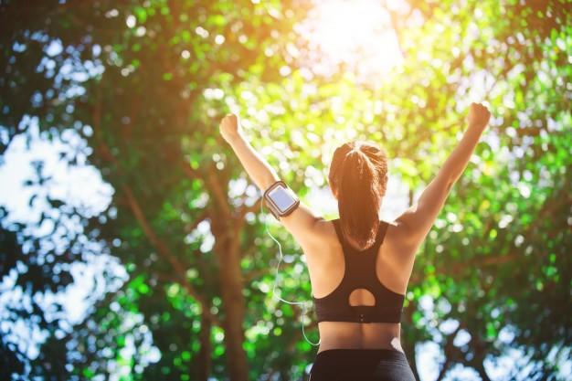 verano-estilo-de-vida-de-buena-condicion-fisica-del-atleta_1150-966